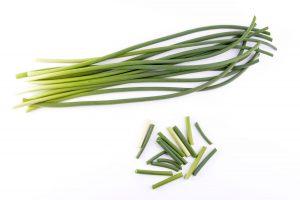 Česnekové výhonky