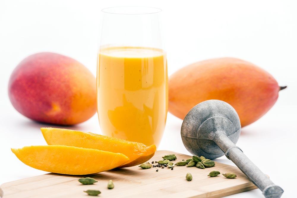 Mangové lassí