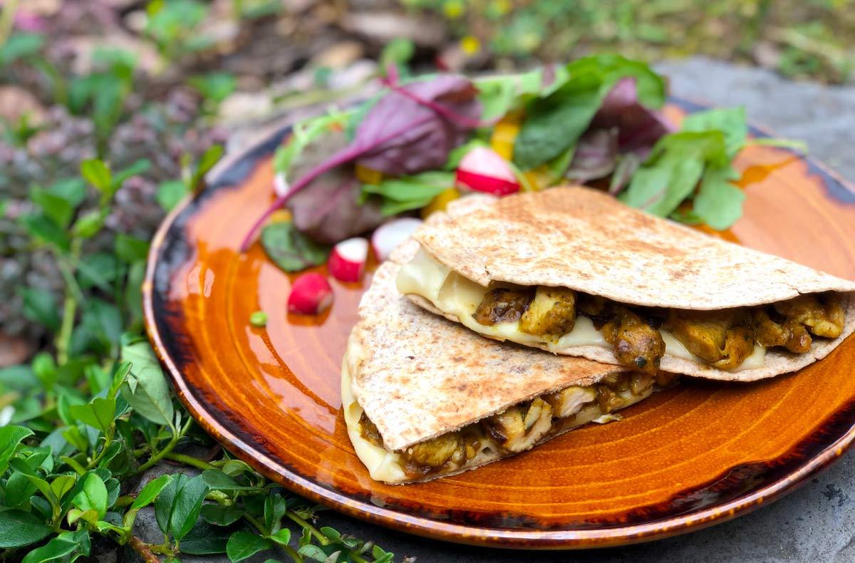 Titbit – Quesadilla s kuřecím masem a sýrem